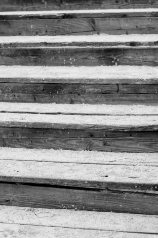 Wood-steps-beach